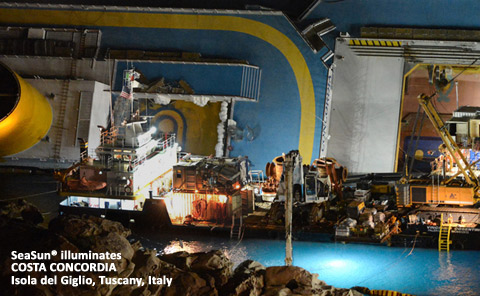 Seasun-illuminates-Costa-Concordia